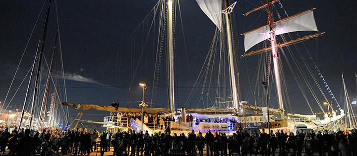 Kurztrips auf Hafenfesten